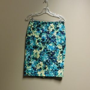 Adorable Ann Taylor Blue/Yellow Print Skirt Size 2